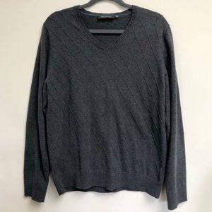 RW&CO. Men's Grey V-Neck Sweater